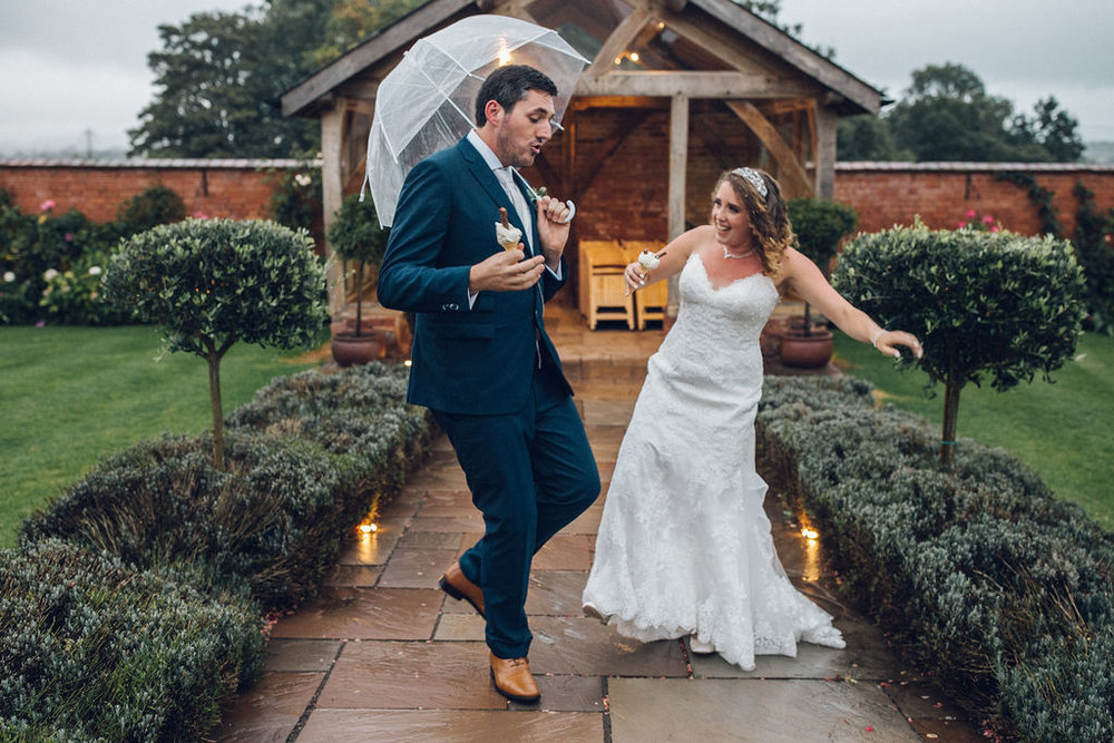 How to deal with Rain on your wedding day - Upton Barn and Walled Garden Wedding