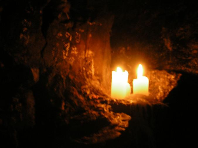 horse-ear-cave-candle.jpg