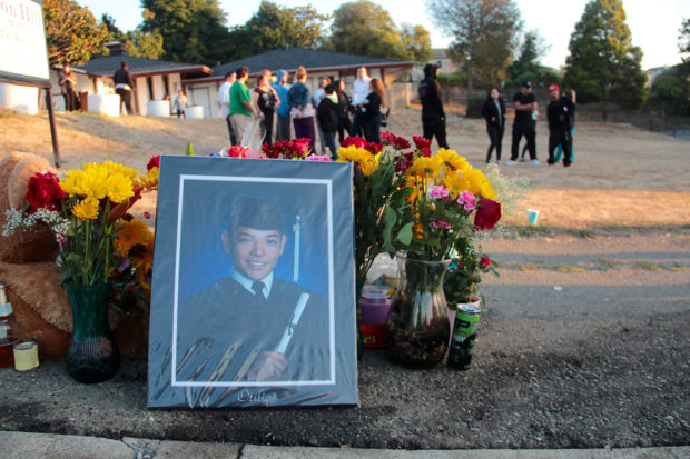 Community mourns victims of two shootings just blocks apart -