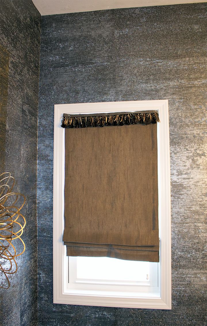 Farah Merhi Powder Room, Shades
