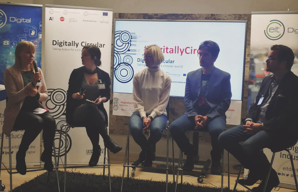 Pure Growth co-founders Anna and Liz hosting a conversation with the panelists at Digitally Circular, 19 November 2018