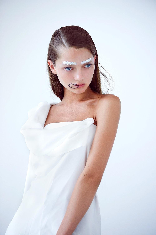 KATIUSHA - MATERIAL GIRL