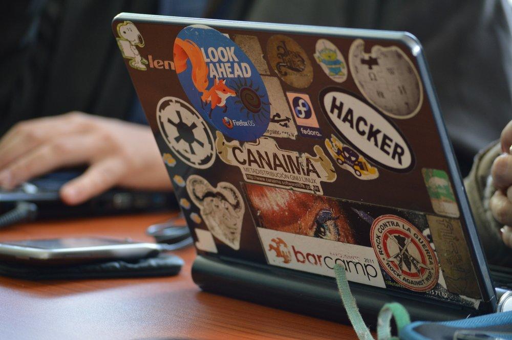hacker-1569744.jpg