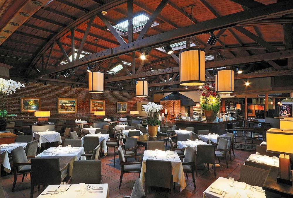 Parkway Grill Main Dining Room