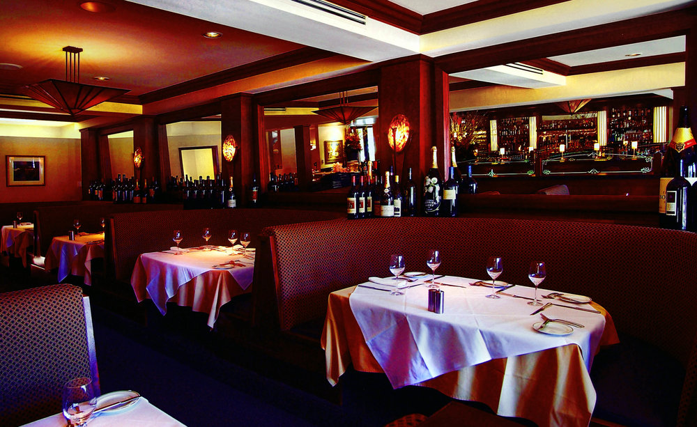 Arroyo Chop House Booths