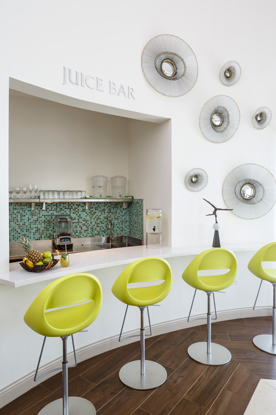Juice-Bar-at-The-Spa-at-Windjammer-Landing_WEB.jpg