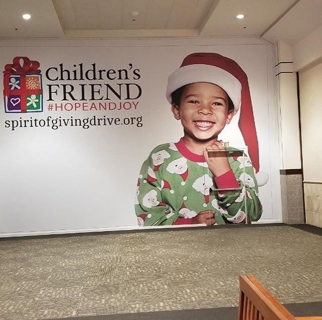 Since 1834, @childrensfriend has provided services to families and is Rhode Island's oldest charity. This holiday season, Providence Place Mall in Providence, Rhode Island, are using it's walls to inform potential consumers about this organization. We at Seamless Wraps are very proud to print and install these graphics and help promote awareness about Children's Friend.  #charities #seasonal #graphics #graphics #printing #promoters #childrensfriend, #childrensfriendspirit, #ppm, #providenceplacemall, #providence, #providenceri, #mall, #mallgraphics, #marketingdoneright, #marketing, #holiday, #christmas, #holidays, #christmasgraphics, #modernart, #graphicdesign, #christmasart, #holidaycheer, #holidaygraphics, #christmasmarketing, #christmasadvertising, #holidayadvertising, #holidaymarketing, #childrensfriendspiritgraphics #serviceability