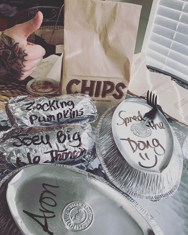 Thanks for the lunch @chipotlemexicangrill #spredthedoug #joeybigolejohnson #zackingpumpkins #aronwithoneaandoner