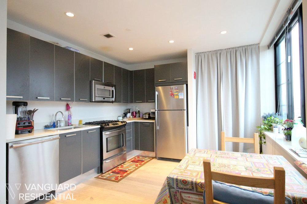 45-50-pearson-12j-kitchen.jpg