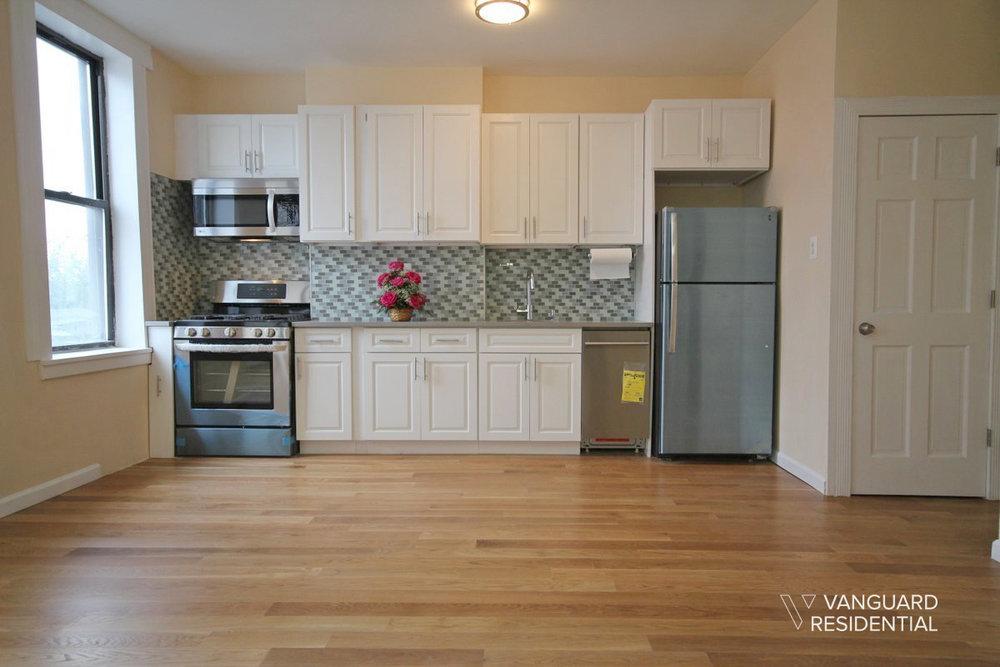 6068-putnam-avenue-2f-kitchen-vanguard.jpg