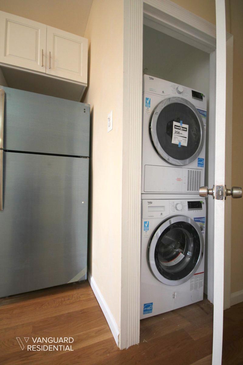 6068-putnam-avenue-2f-laundry-vanguard.jpg