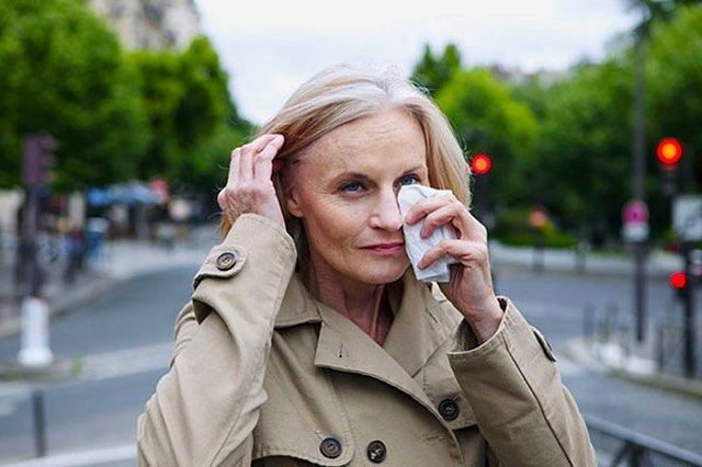 New blog on the site about chronic dry eye! #eyehealth#dryeye#dryeyesolution#sunglasses#prescriptionglasses#prescriptionsunglasses#glasses#fashion#losangeles#optometry#optometrist#losangelesoptoemtrist#doctor#brentwood#brentwoodvillage#eyedoctor#eyeexam