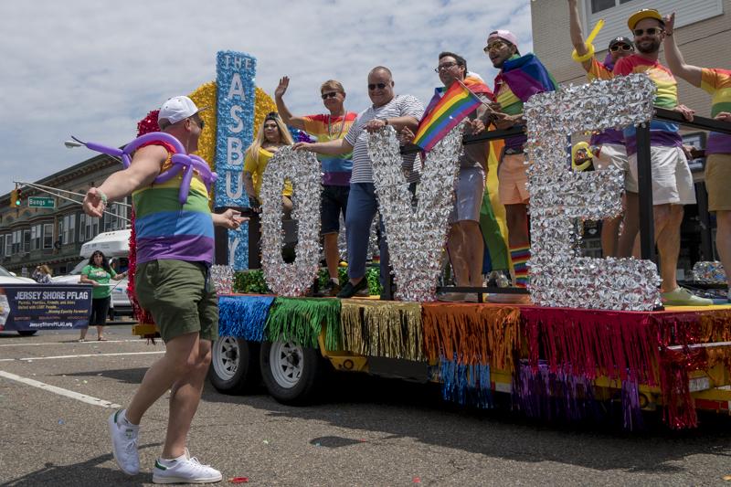 PrideParade-5.jpg