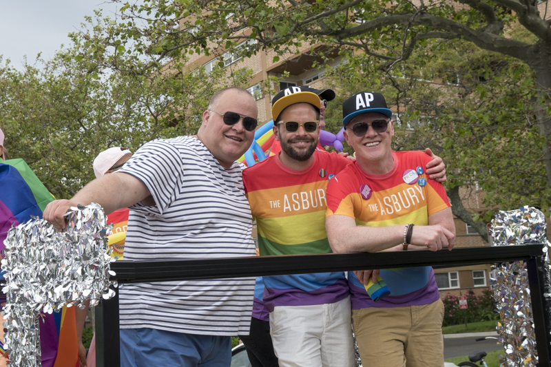 PrideParade-15.jpg