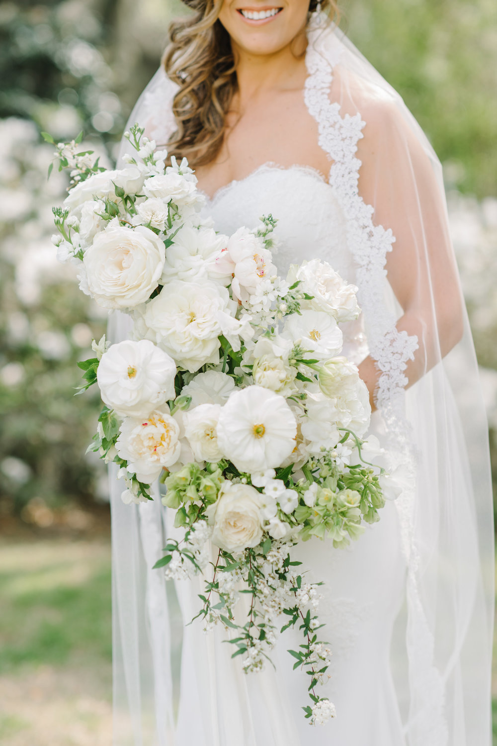 Photo by Aaron and Jillian // Flowers by On A Limb
