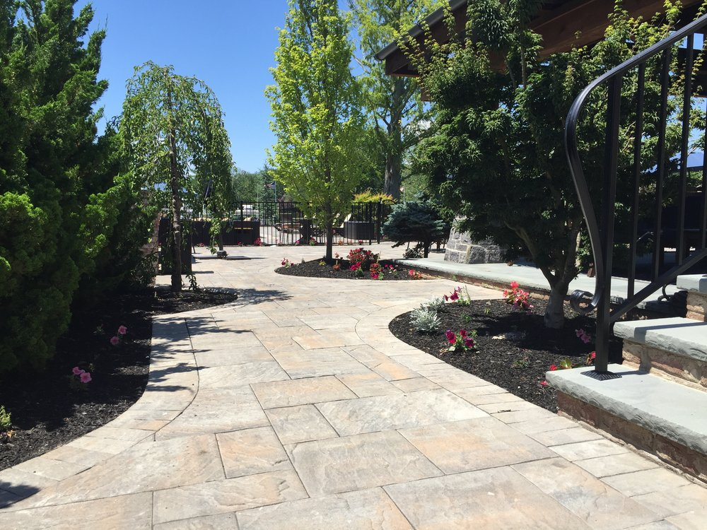 Experienced walkway design company  in Long Island, NY