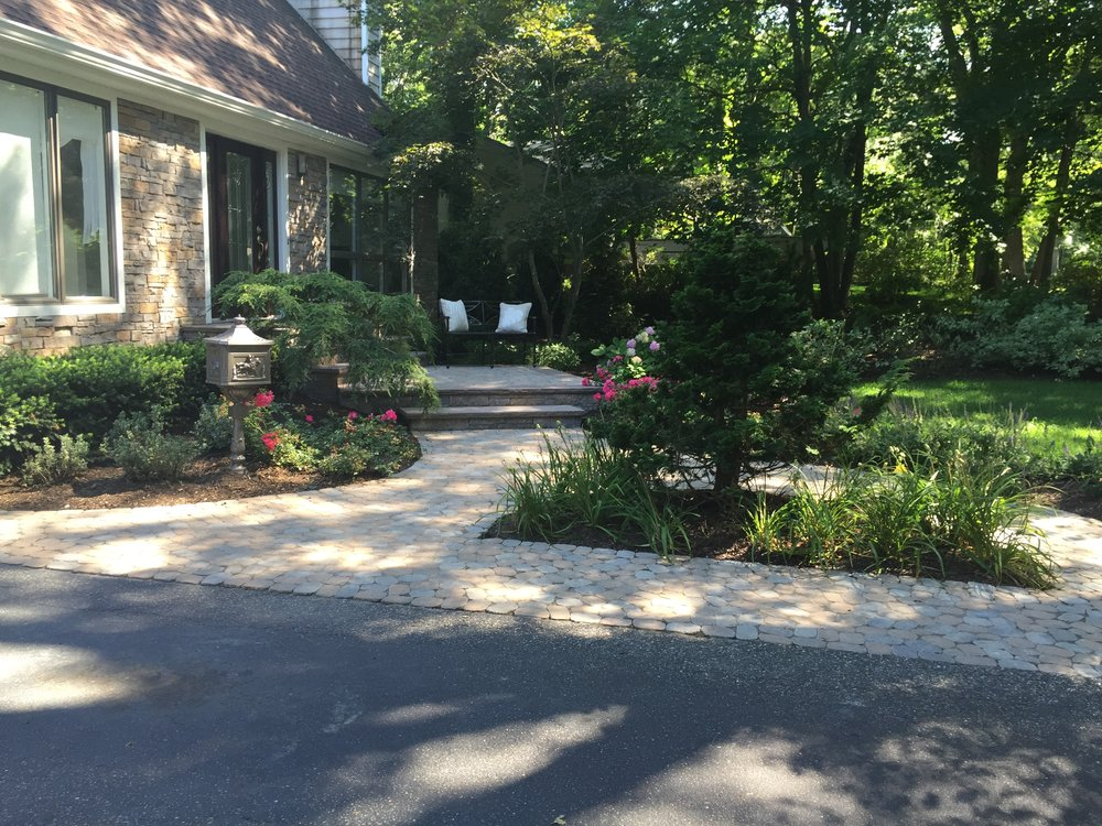 Top entrance planting design company in Long Island, NY