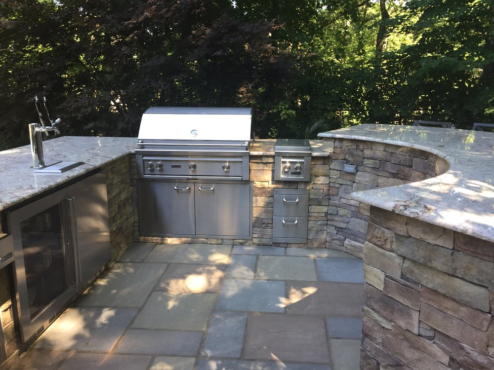 Outdoor kitchen patio in Long Island, NY