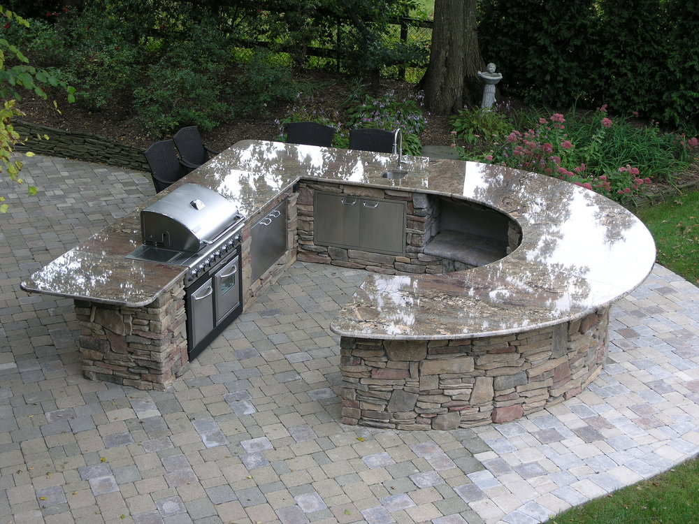Top outdoor kitchen paver in Long Island, NY