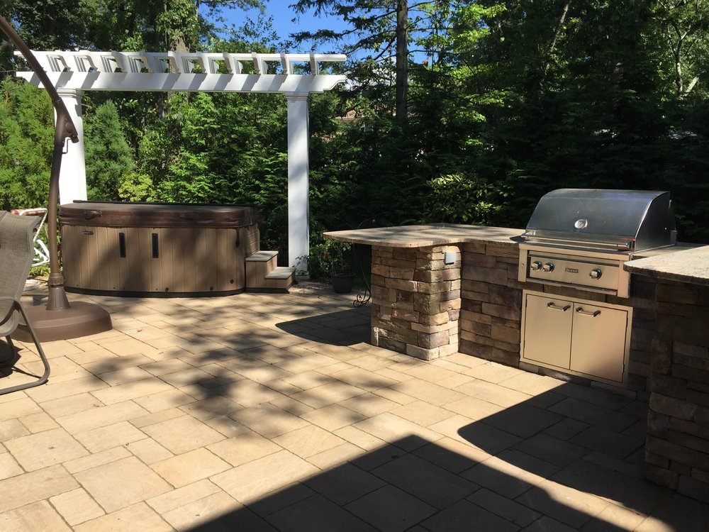 Top paved outdoor kitchen design in Long Island, NY