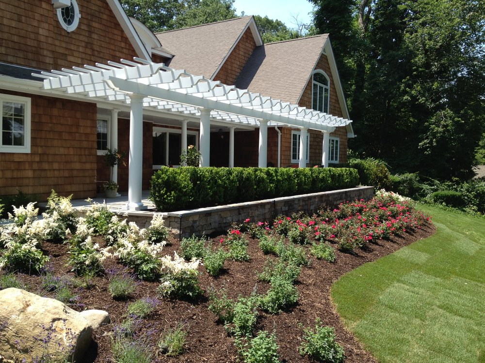 Top pergola with trellis design company in Long Island, NY