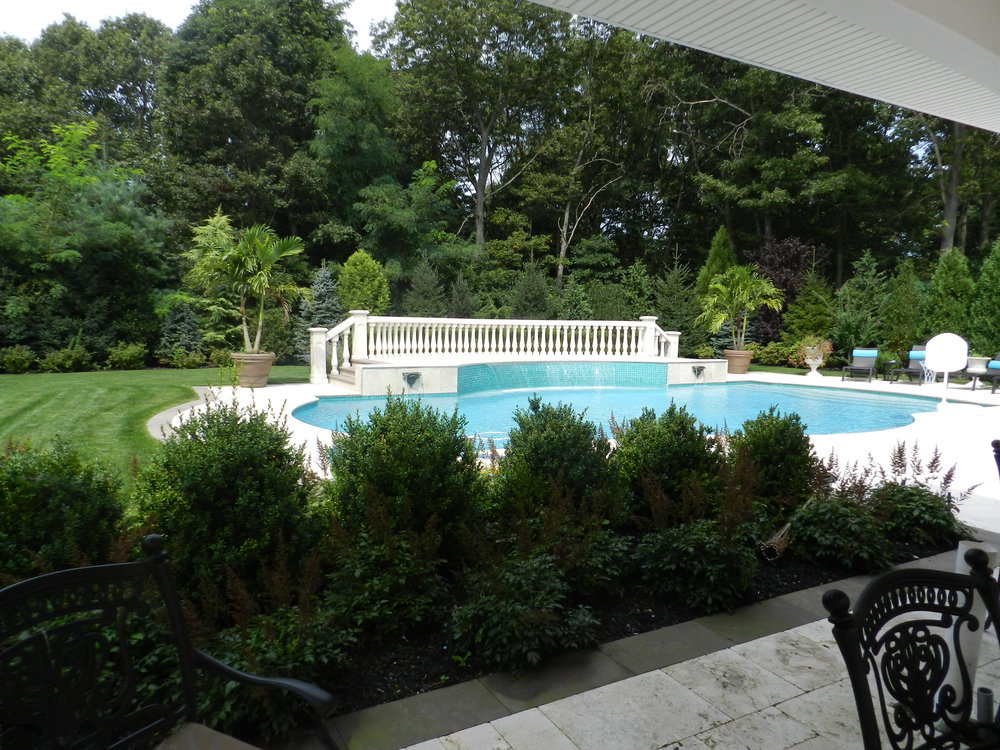 Top picket fence landscape design company in Long Island, NY