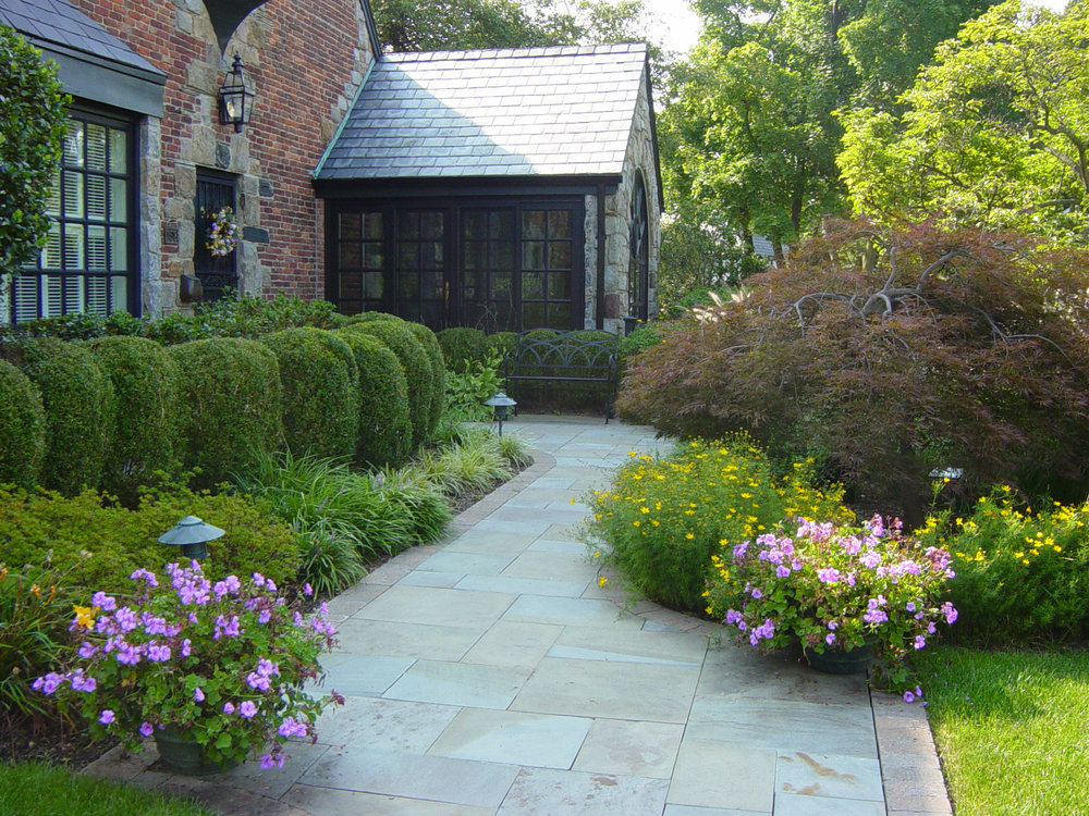 Professional walkway design company in Long Island, NY