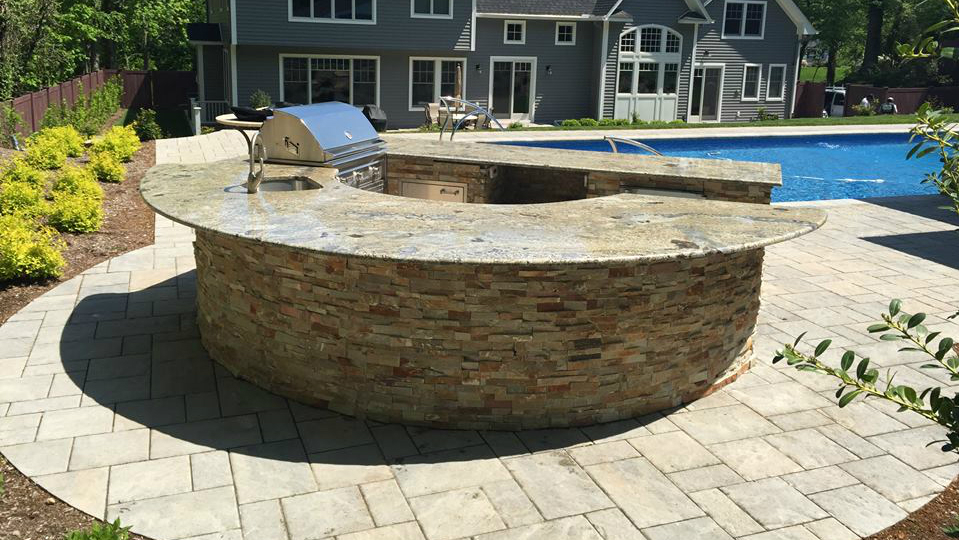 Natural Stone Or Concrete For Your Long Island NY Outdoor Kitchen?