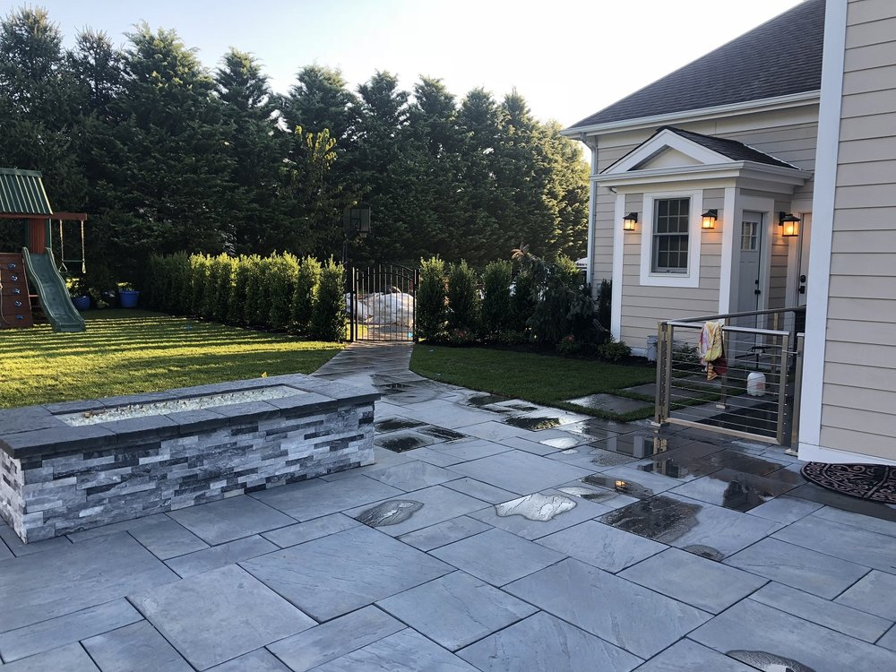 Top outdoor fireplace in Stony Brook NY