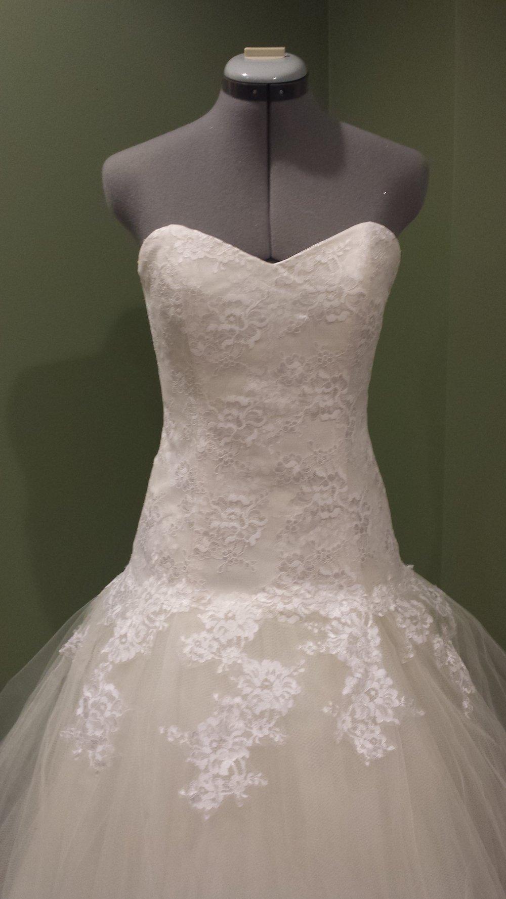 wedding dres.jpg