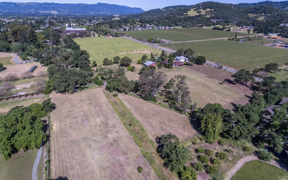 4.85 acres that could be divided into 2 parcels, each suitable for 6 bedroom homesite