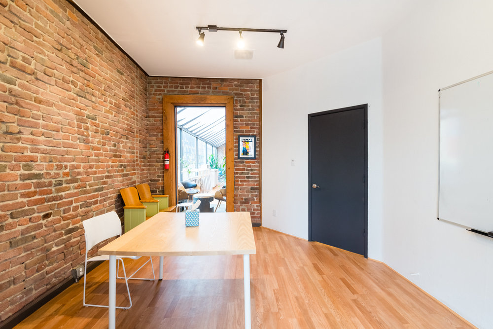 10-meeting-room.jpg