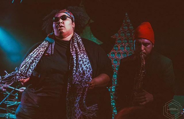Get down boogie oogie oogie it's the weekend . . . . 📸 @luxiconphoto . . . . . #getdown #soundsgood #itstheweekend #ohyes #verynice #woohoo #blowbabyblow #saxplayers #tenorsax #saxophone #saxophoneplayer #rockbands #indiebands #rockmusic #indiemusic #indieartists #independentmusic #independentartist #bandphoto #bandphotography #giglife #musicianslife #musicislife #bandsofinstagram  #funkmusic #soulmusic #aliaandtheagency