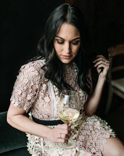 Saturday vibes. What's your favorite type of wine? 💋 🍷 #saturdayvibes . . . 📸 by @mcalderonphoto . . .  #strongwomen #wine #eentertainment #bellatwins #winenight #empoweringwomen #bellaarmy #wwe #totaldivas #totalbellas #wwewomen #nikkibella #briebella #danielbryan #divas #winetasting #winelover #laughter #smile #napa #goodlife #wine @mcalderonphoto