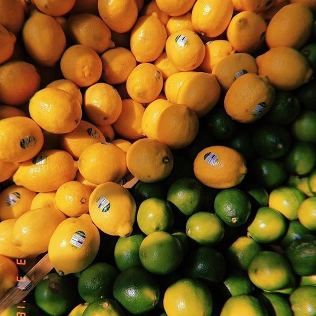 When life gives you Citrus- Make Essential Oil 🍊🍋#tuesdaytransformation  #detoxwater 📸 @sobewankenobi