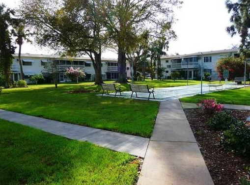 1st Bayshore courtyard copy.jpg