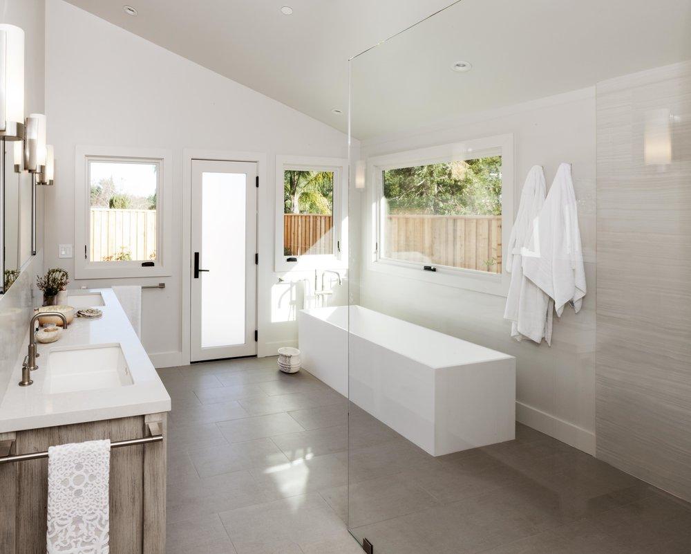 Modern Ranch Spa Bath