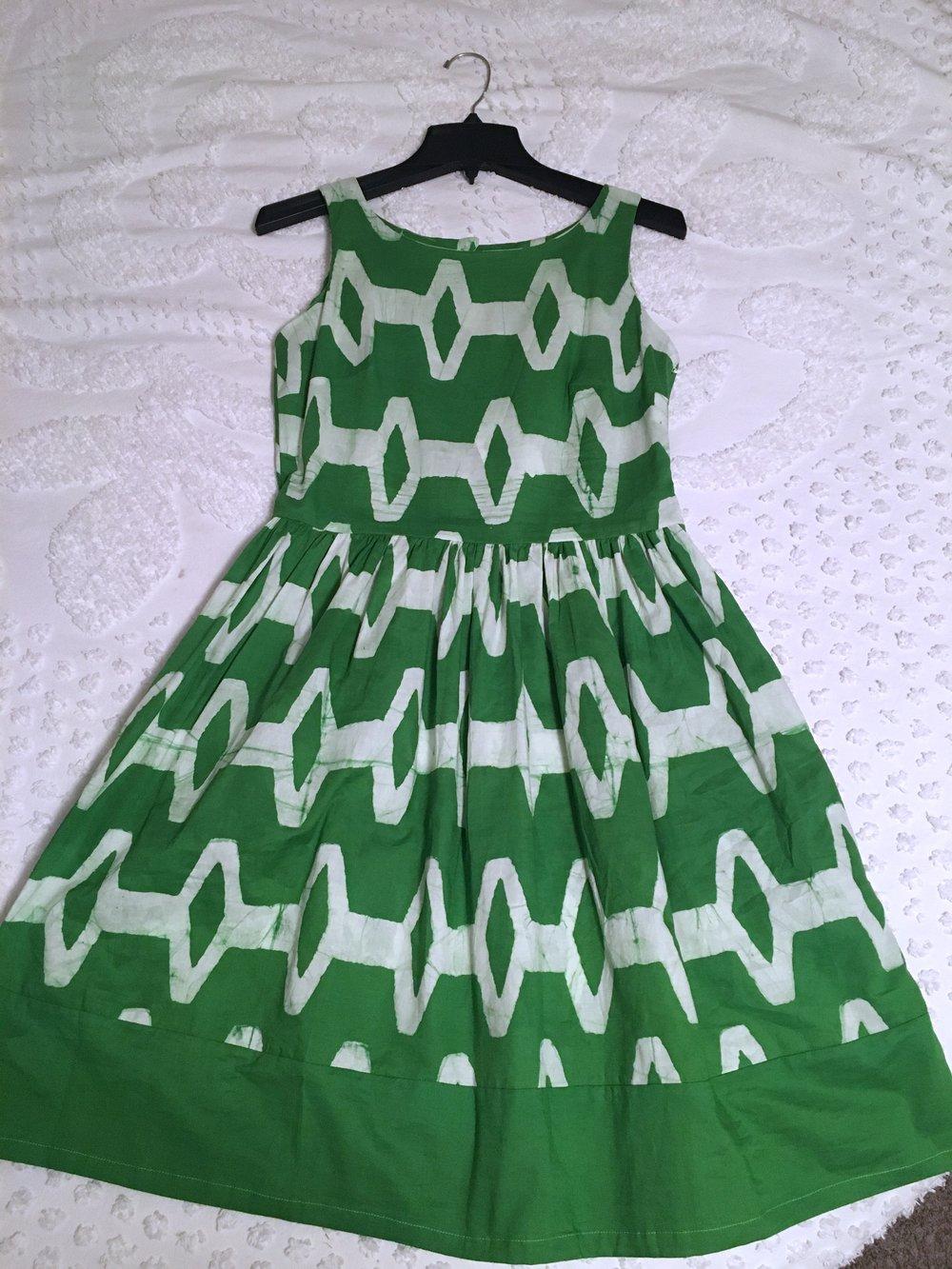 Green Dress 1.jpg