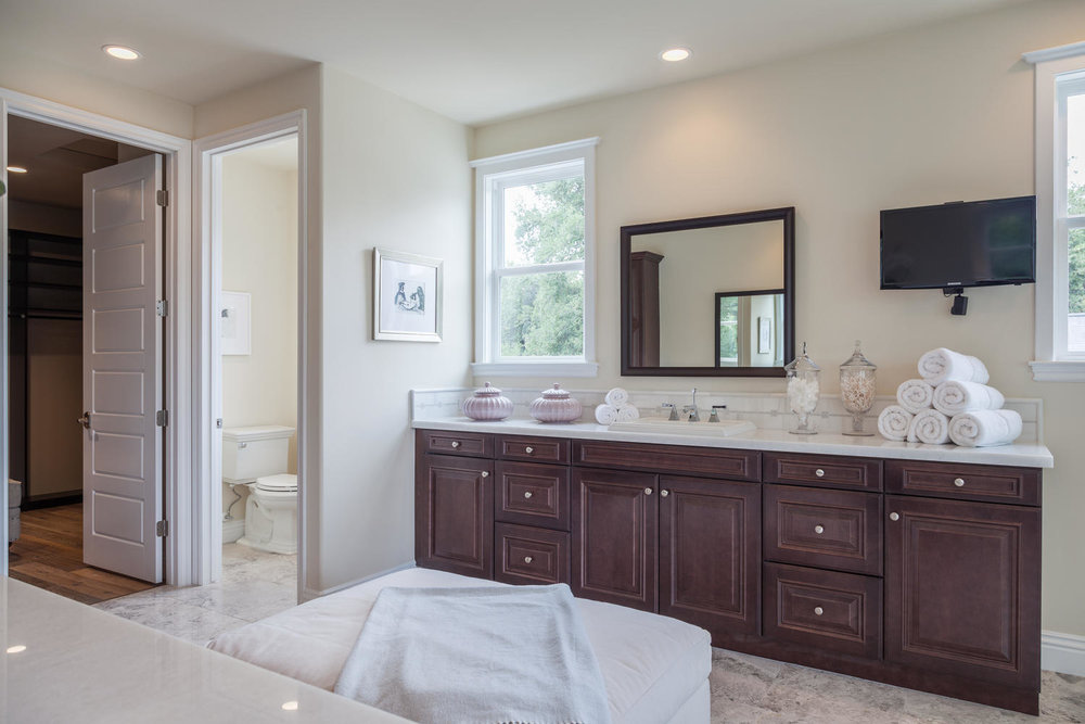 4114 Farmdale Ave    Studio-large-028-Master Bathroom-1500x1000-72dpi.jpg