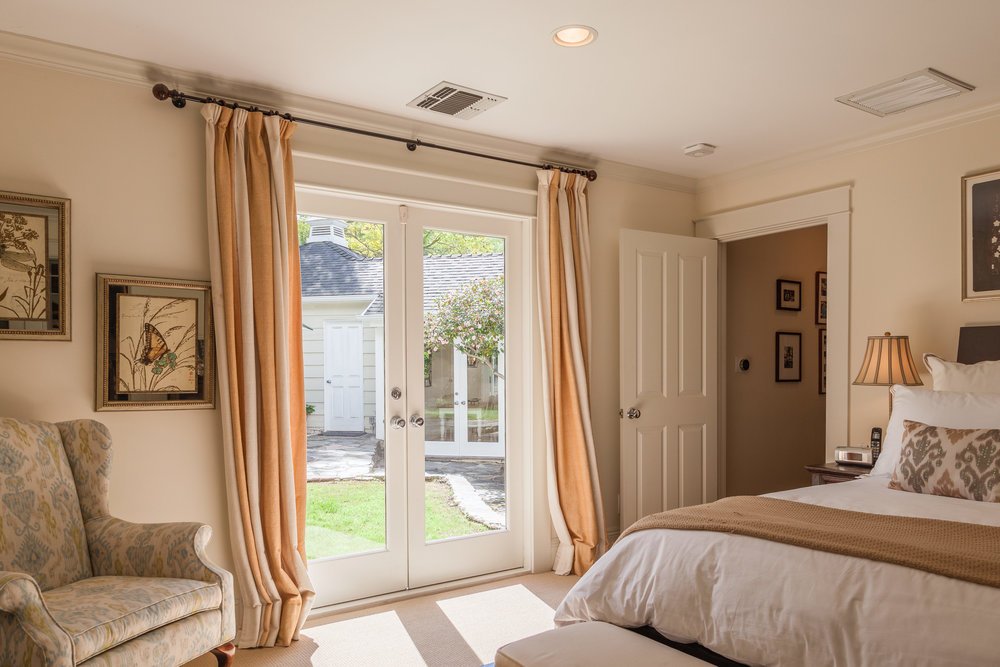 3163 La Suvida Dr Los Angeles-print-025-Master Bedroom-4200x2800-300dpi.jpg