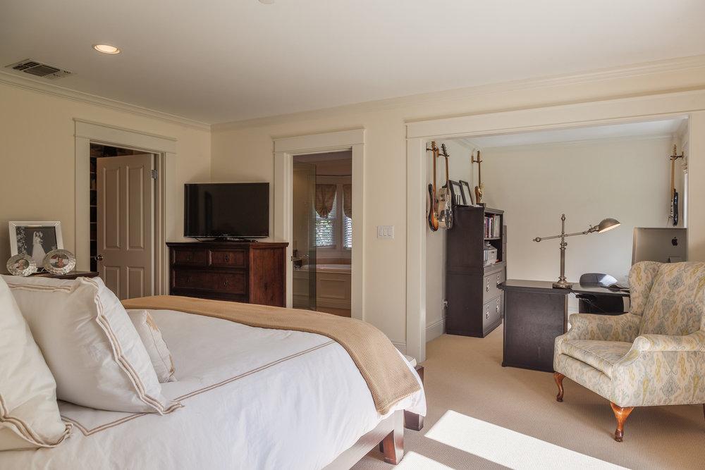 3163 La Suvida Dr Los Angeles-print-021-Master Bedroom-4200x2800-300dpi.jpg