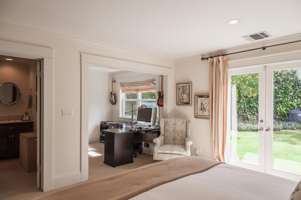 3163 La Suvida Dr Los Angeles-print-022-Master Bedroom-4200x2799-300dpi.jpg