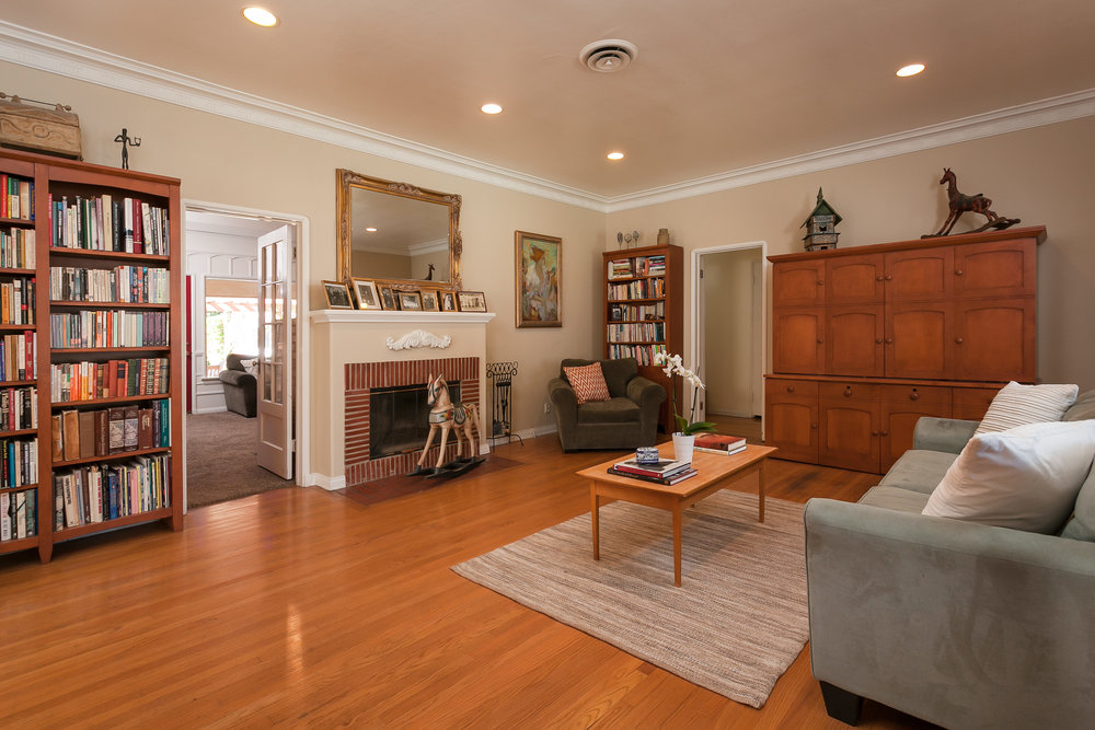 4107 Goodland Ave Studio City-print-004-5-Living Room-3861x2575-300dpi.jpg