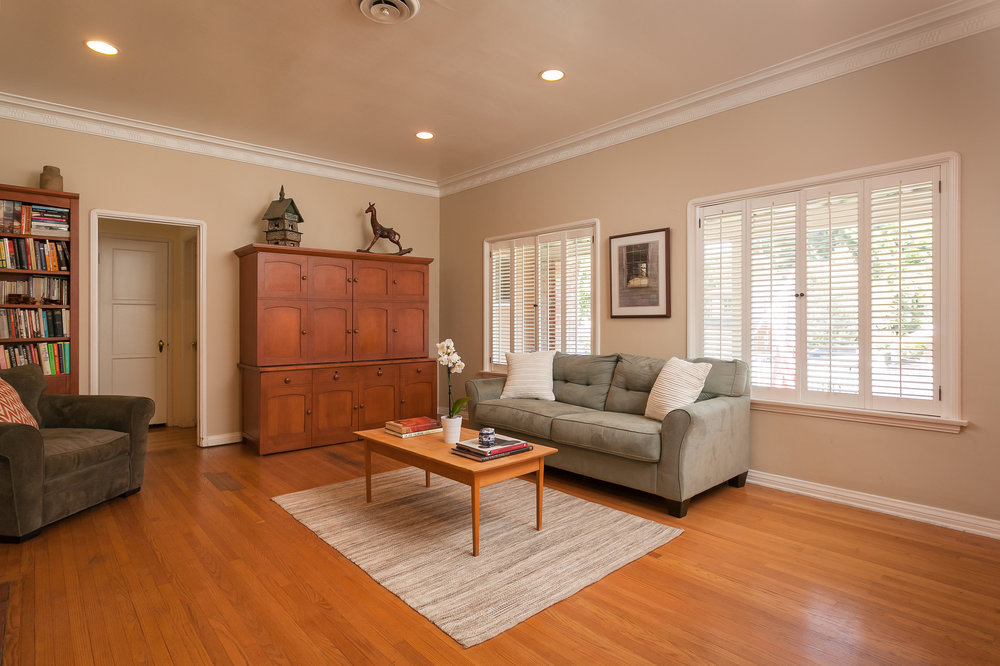 4107 Goodland Ave Studio City-print-005-12-Living Room-3864x2575-300dpi.jpg