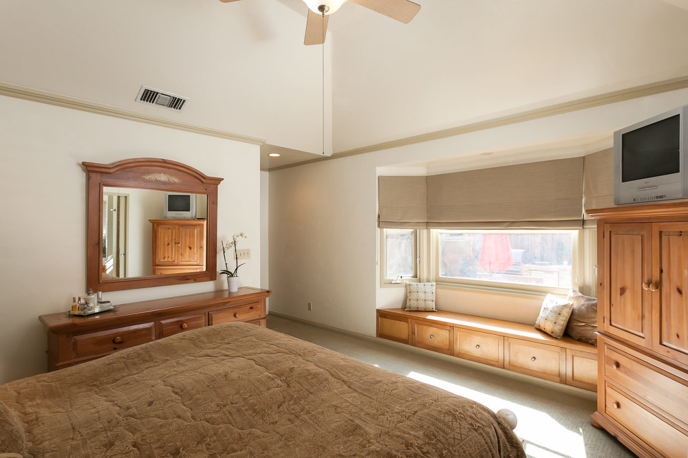 4107 Goodland Ave Studio City-print-019-25-Master Bedroom-3863x2574-300dpi.jpg