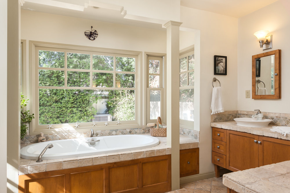4107 Goodland Ave Studio City-print-020-10-Master Bathroom-3818x2546-300dpi.jpg