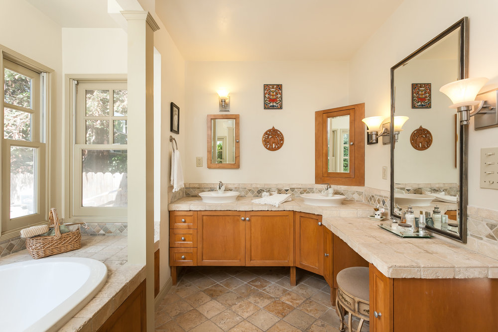 4107 Goodland Ave Studio City-print-022-24-Master Bathroom-3861x2575-300dpi.jpg