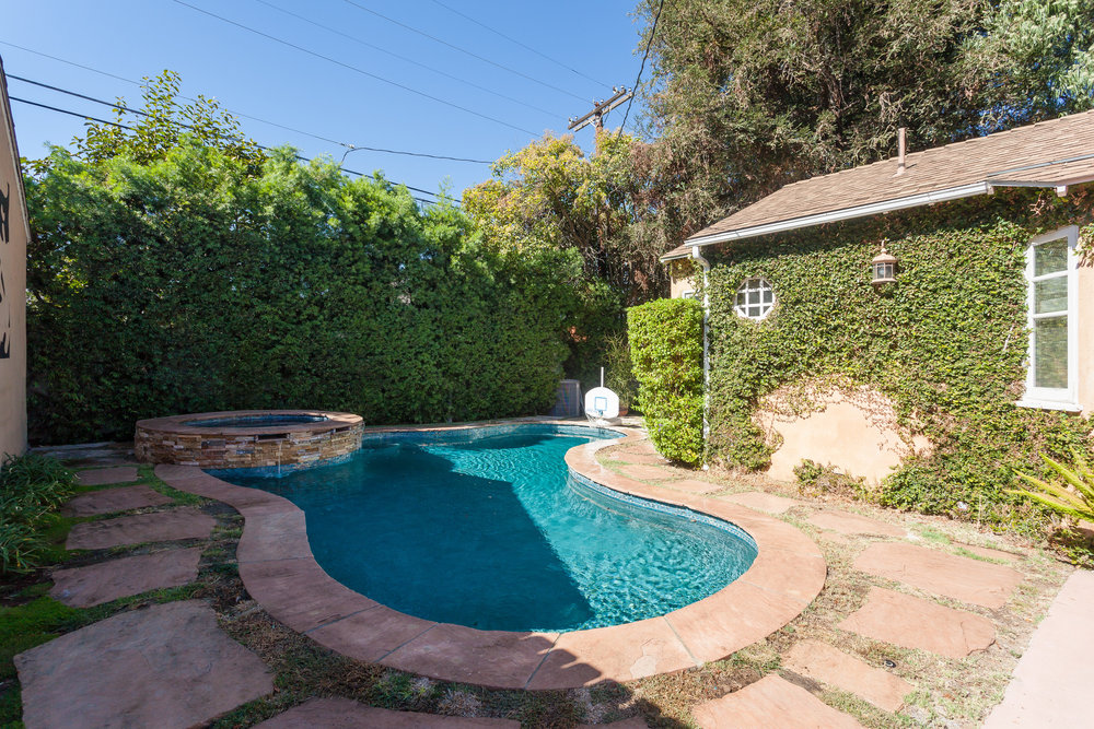 4107 Goodland Ave Studio City-print-024-23-Back Yard-4200x2800-300dpi.jpg