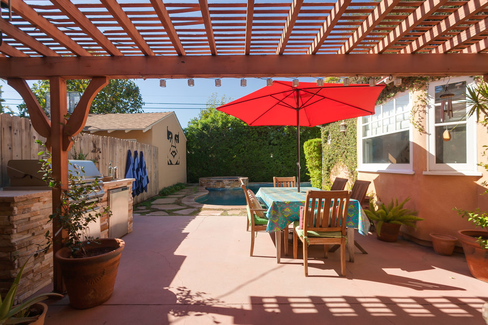 4107 Goodland Ave Studio City-print-028-21-Back Yard-3861x2574-300dpi.jpg