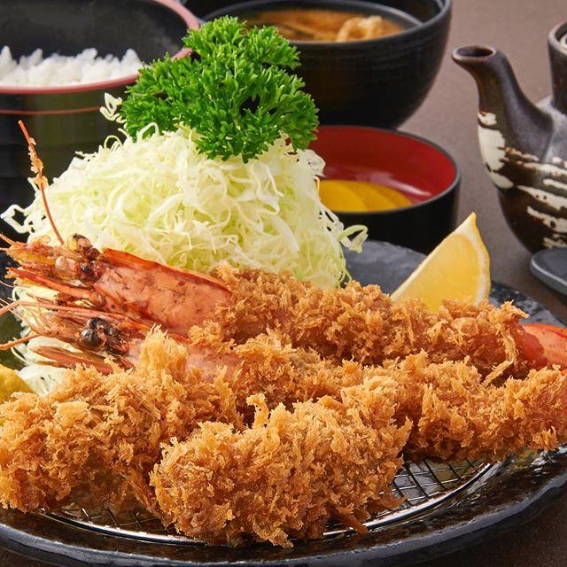 Happy Weekend everyone ✨😁. Mix Seafood Teishoku Set 🦐for Seafood and Tonkatsu lovers . #ginzabairinsg #seafoodlover #tonkatsulover #prawns🍤 #oysterfried